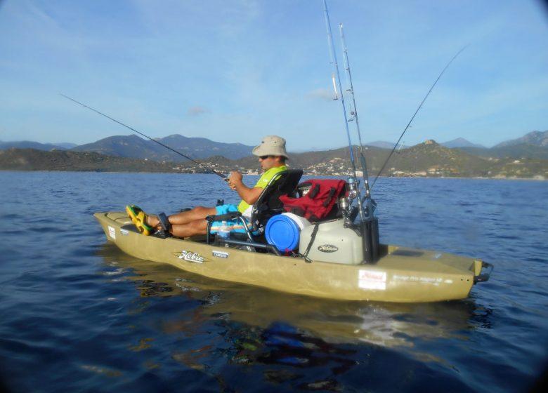 Patrice pêche en kayak