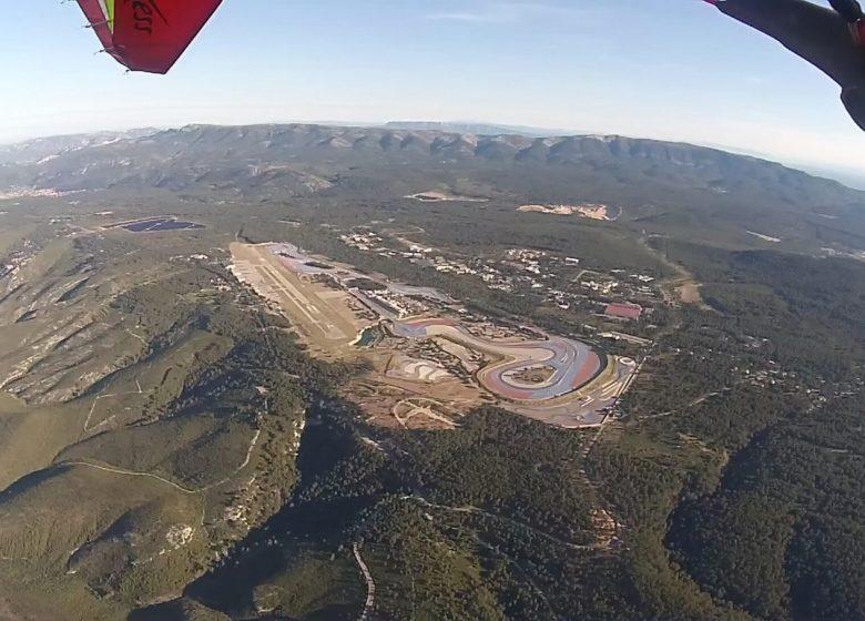 Vol au dessus du Circuit du Castellet